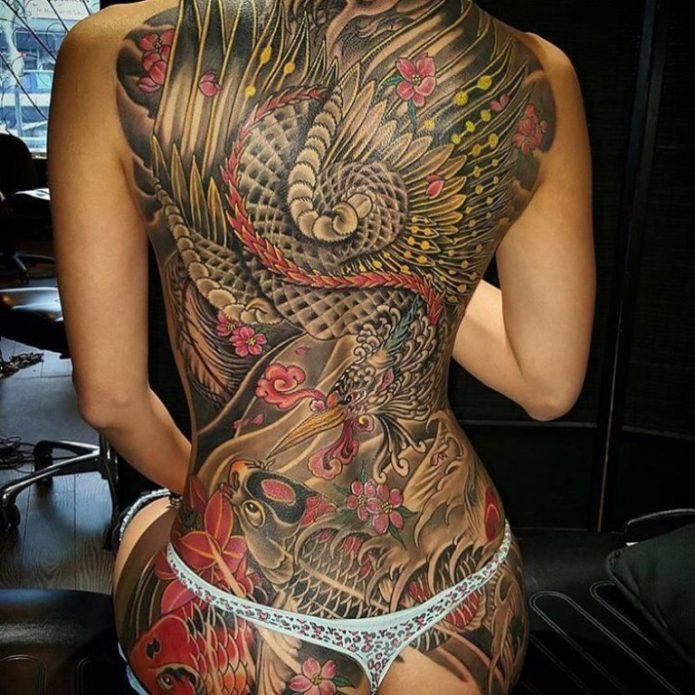 японское женское тату на всю спину