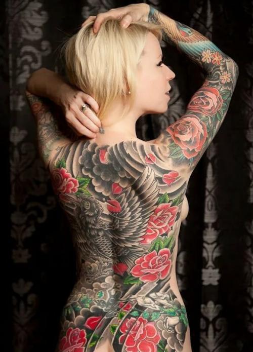 женское тату в японском стиле на всю спину