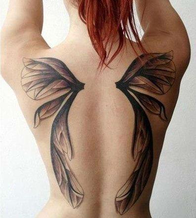 крылышки монохром тату для девушек на спине