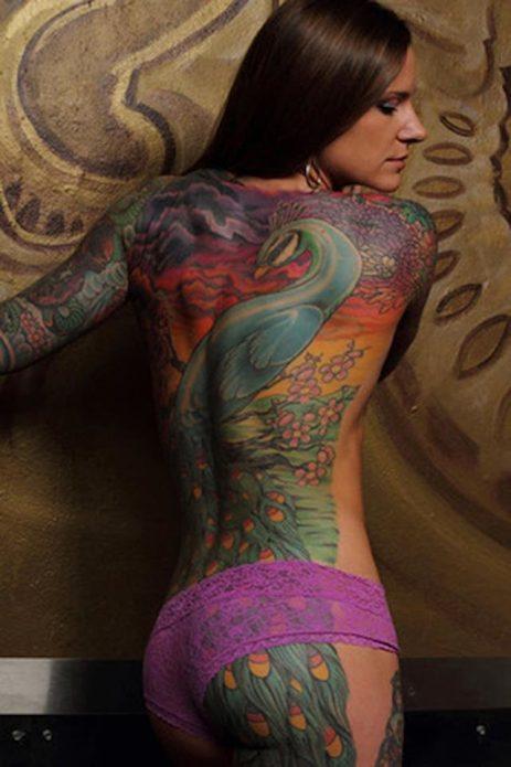 павлин цветное тату на всю спину