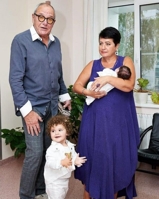 Виторган и Млодик с дочками