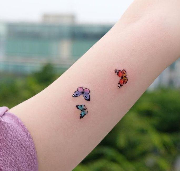мини-татушки бабочки для девушек