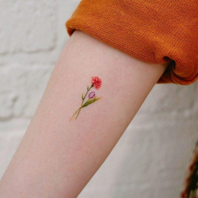 мини тату цветы для девушек на руке