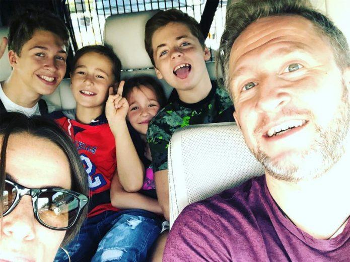 Кучера с женой и детьми
