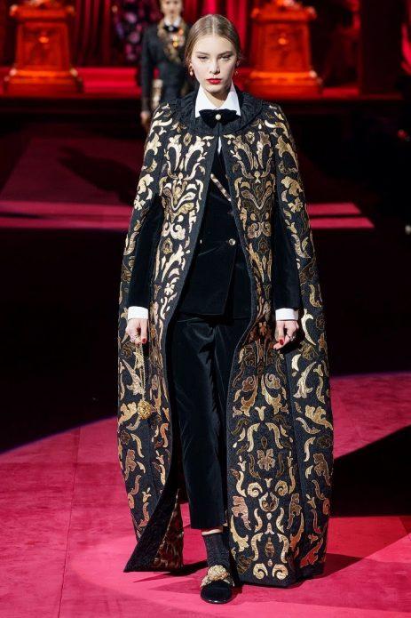 Кейп в коллекции Dolce & Gabbana