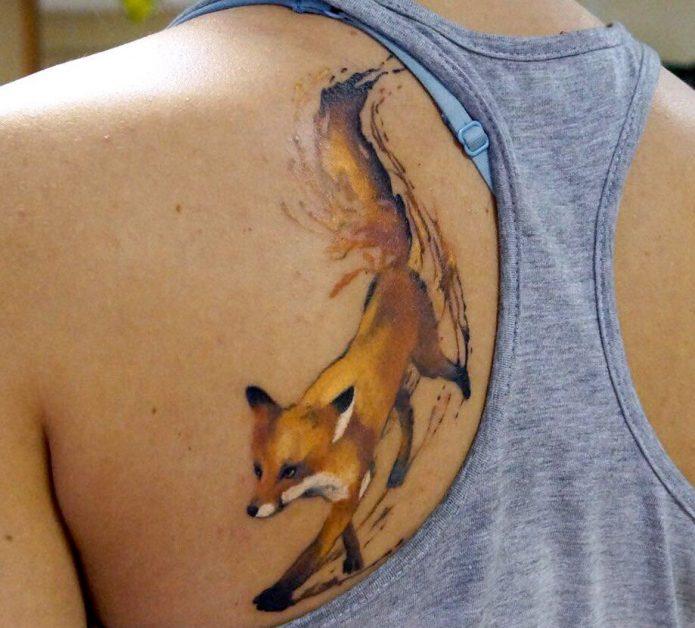 бегущая лиса на спине тату женское