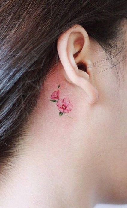 мини-тату за ушком, цветок