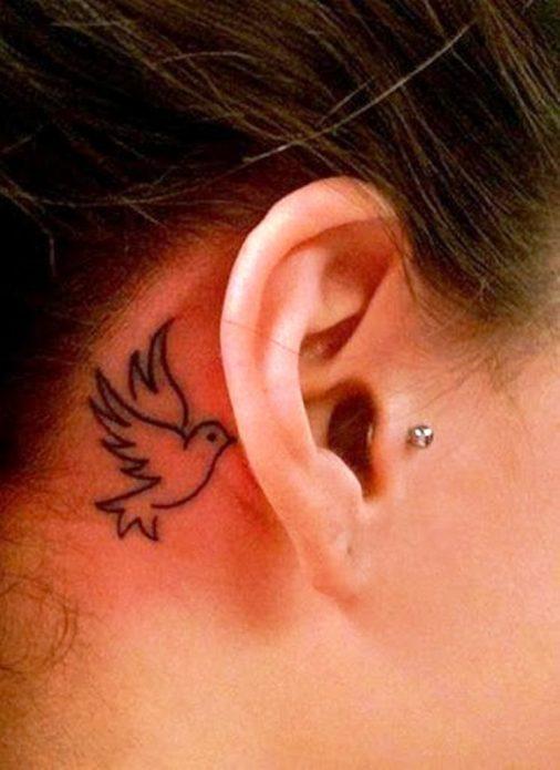 тату голубка минимализм, татуировка за ухом