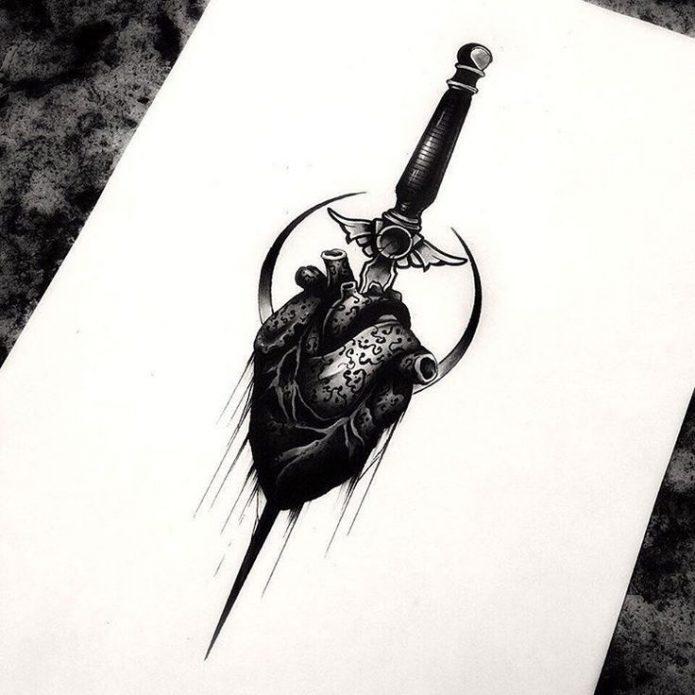Татуировка сердце с кинжалом