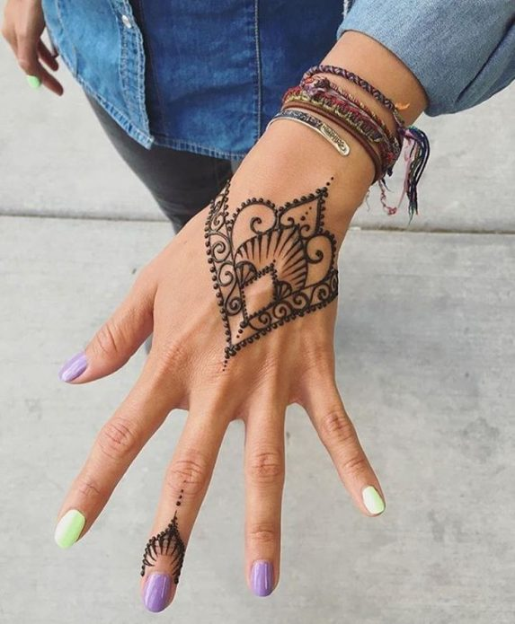 тату на тыльной стороне руки, временная татуировка хной