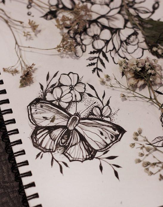 эскиз бабочка и цветы, женские тату