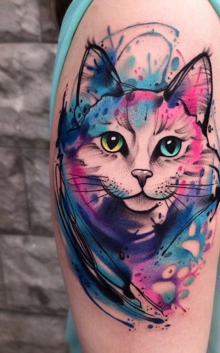 тату акварельный кот на плече, женские идеи для тату