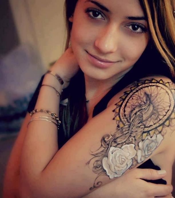 тату на плече женское, цветы и узоры