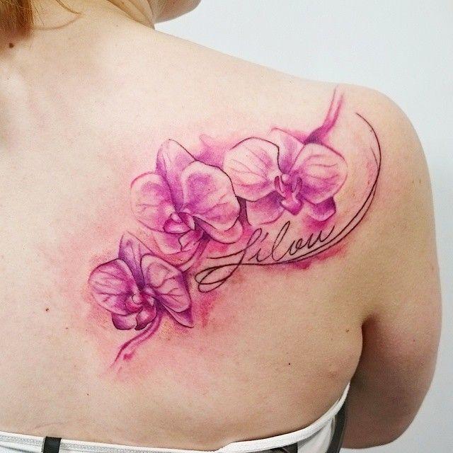 Орхидея на плече