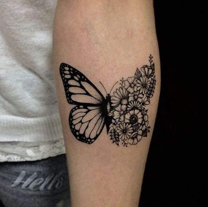 тату бабочка на руке, чб бабочка с цветочным узором