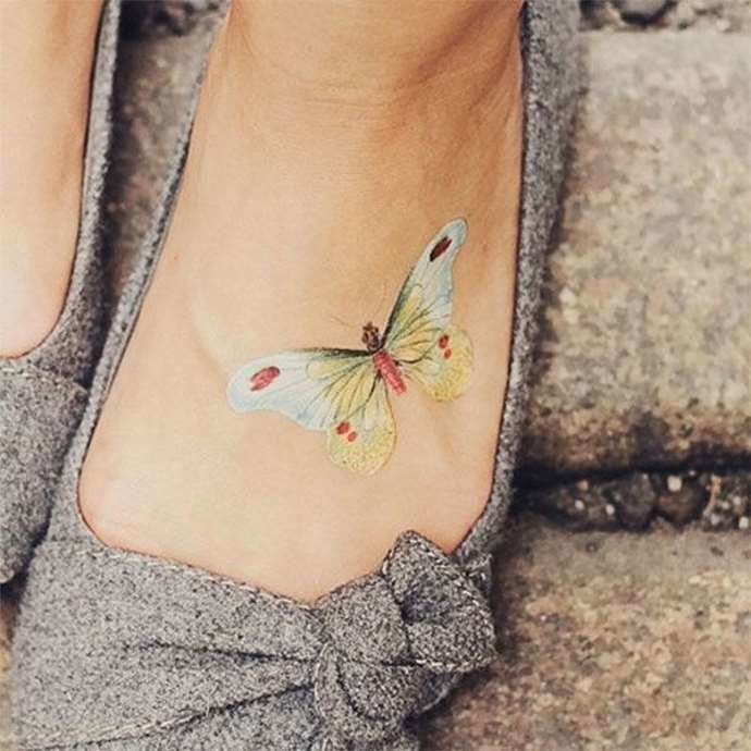 тату на стопе красивая бабочка, маленькие татушки