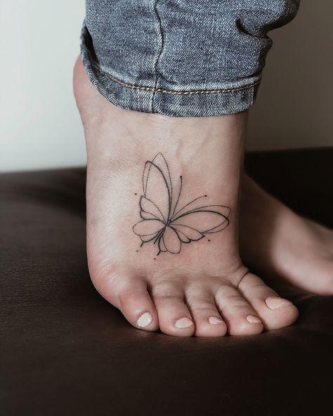 бабочка тату минимализм, бабочка на ступне