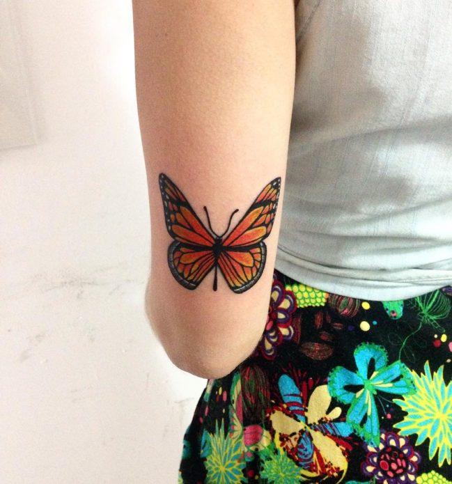 тату бабочка возле локтя