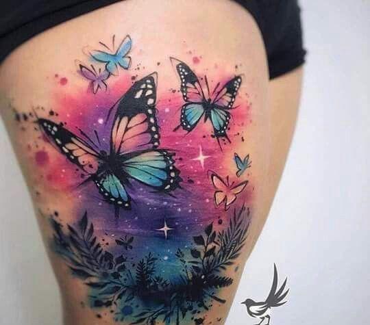 космические бабочки, тату на бедре для девушек