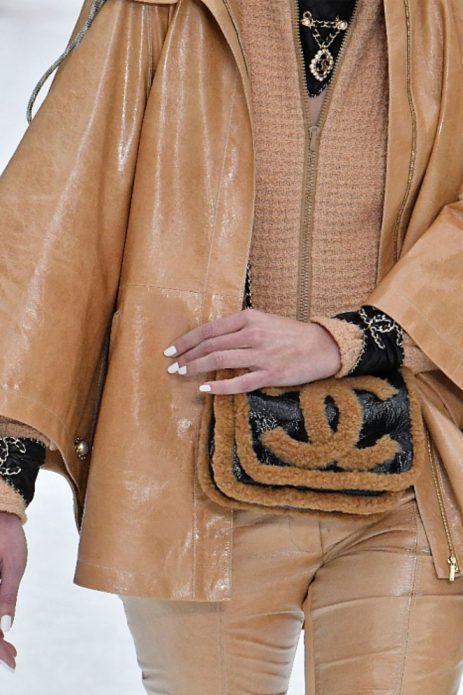 Меховая сумка из коллекции Chanel
