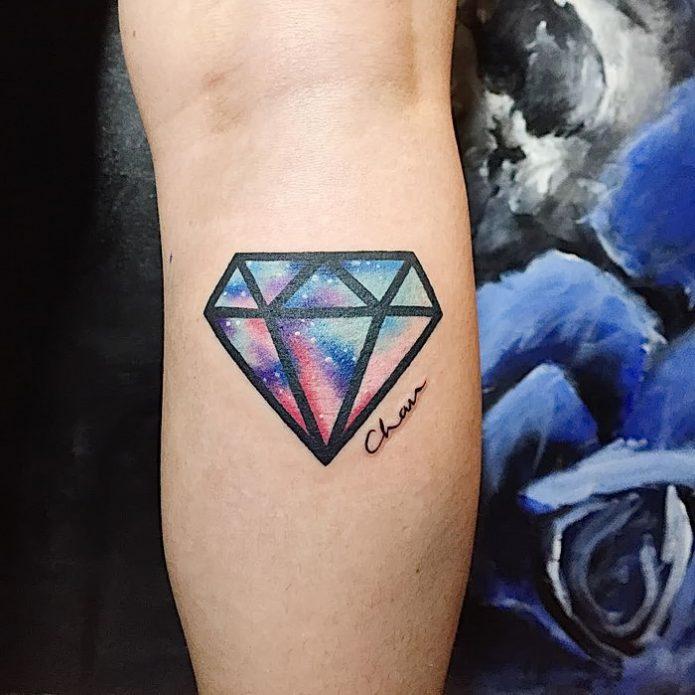 тату космический бриллиант на руке, модные идеи для тату