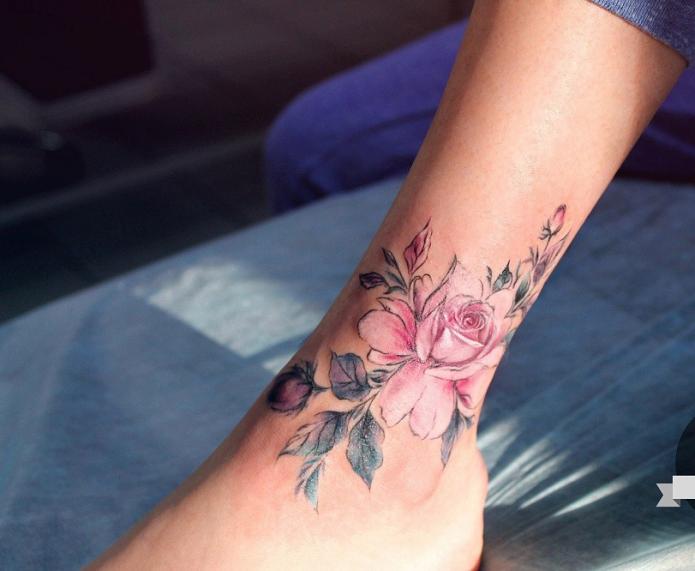 нежные тату для ноги, розы тату