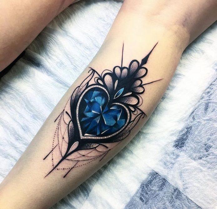 крутая татуировка на икре, узор на икре для женщин