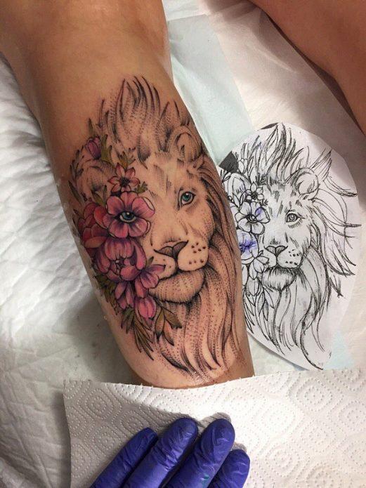 тату лев и цветы, эскиз на икру лев для девушки
