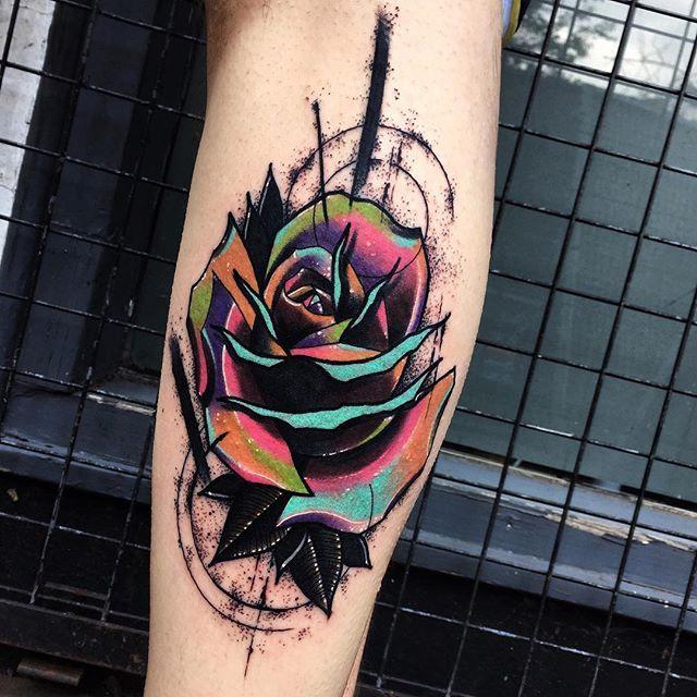 яркая роза на икре, красивые женские эскизы роза