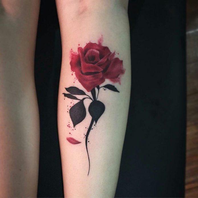 Увядшая роза тату