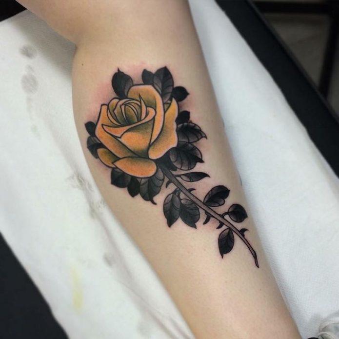 Тату жёлтая роза