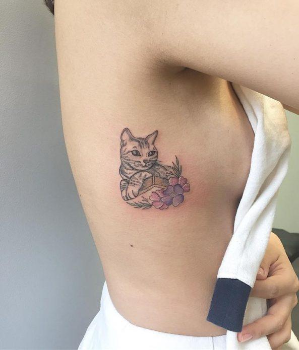 мини тату на рёбрах кот