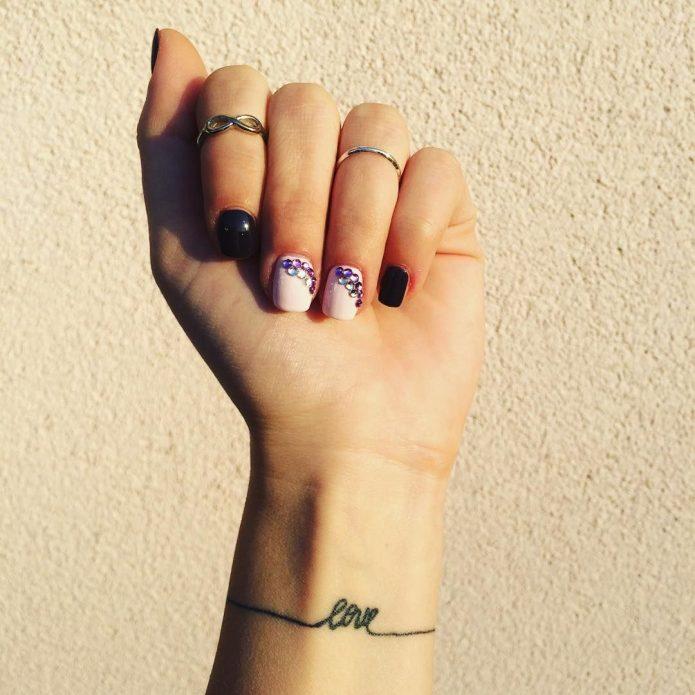 тату браслет чб надпись, татуировка браслет любовь
