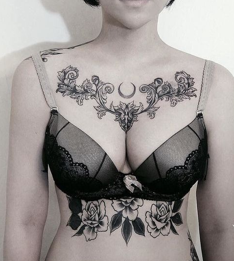 красивый тату узор на женской груди, эскизы чб