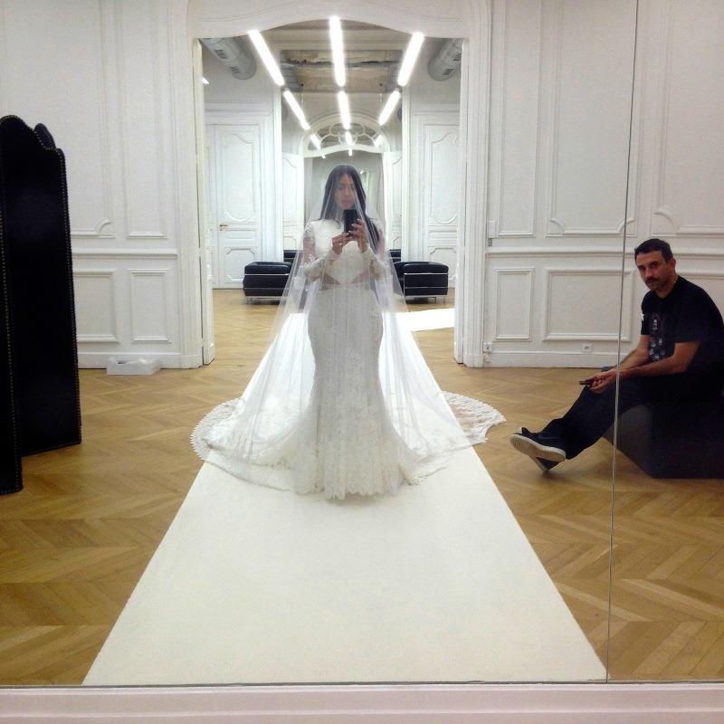 Свадебный наряд Ким Кардашьян
