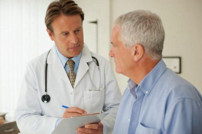 Мужчина и врач-андролог