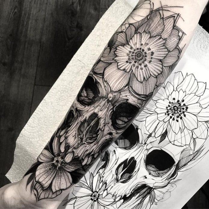 полурукав череп и цветы тату с эскизом