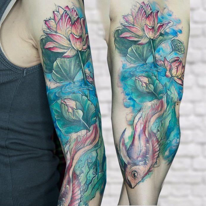 акварельная тату рукав для женщин, тату лотосы и рыба