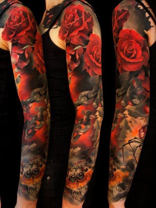 татуировка рукав с красными розами