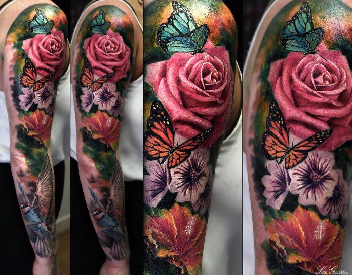 тату рукав бабочка и розы реализм