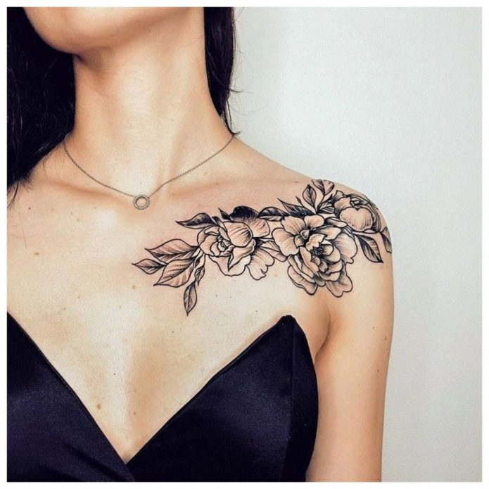 тату цветы на плече и ключице