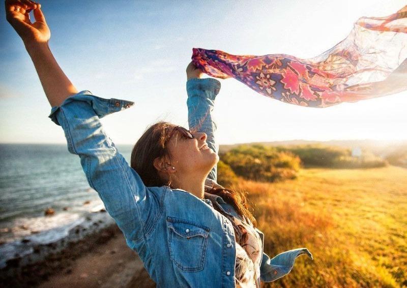 6 вещей, которые надо отпустить, чтобы стать по-настоящему счастливой