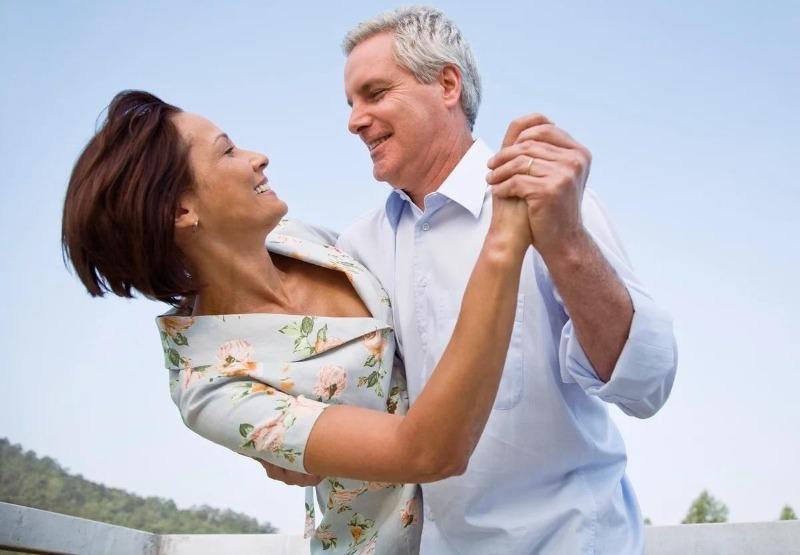 Где встретить свою любовь, если вам за 40: простые, но действенные способы