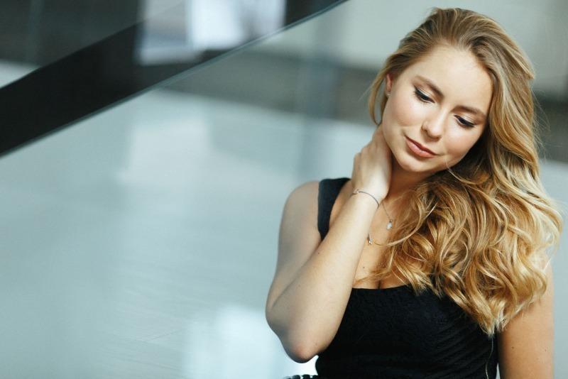 Подросли и похорошели: красивые дочери российских знаменитостей