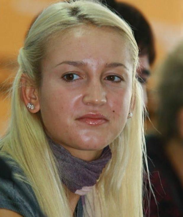 7российских знаменитостей, которых не узнать без макияжа