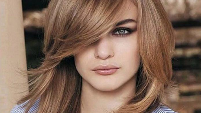 10 причесок, которые визуально делают лицо худым