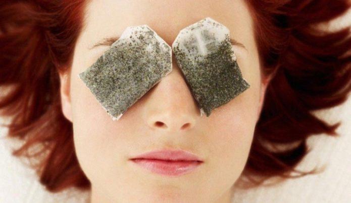 Почему нельзя снимать отеки под глазами чайными пакетиками