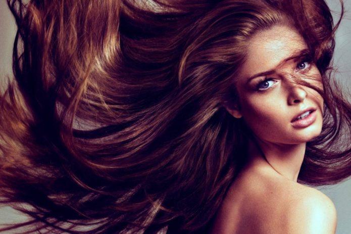 Как ухаживать за длинными волосами, чтобы они выглядели живыми и блестящими