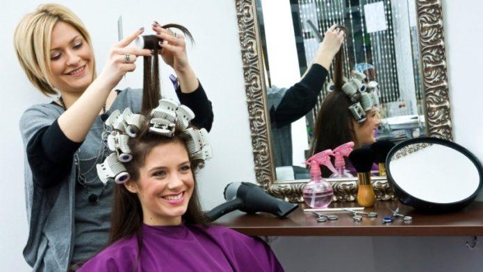 5 фраз парикмахера, после которых можно вставать и уходить