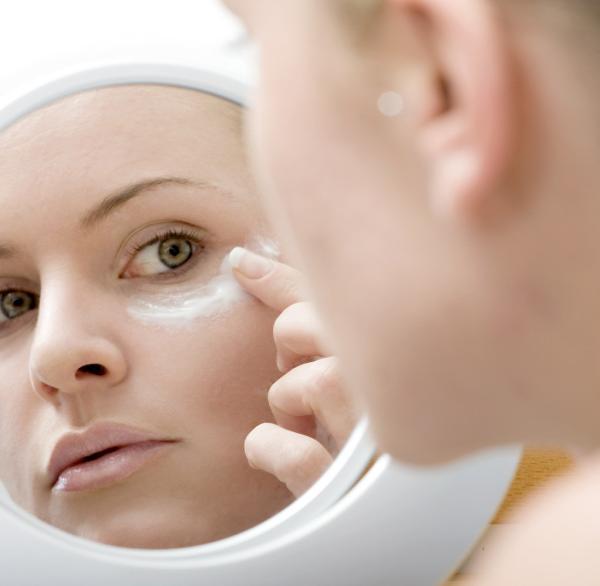 Косметические каникулы: как провести время без макияжа с пользой для кожи